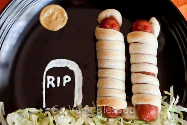Fun Halloween Food – Mummy Dogs Recipe