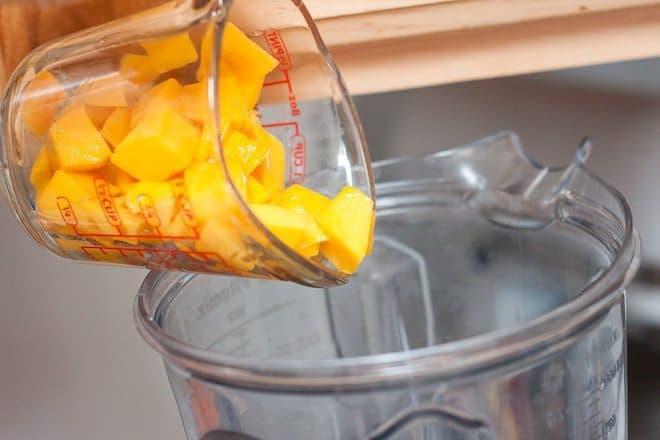 Mango Chia Smoothie Recipe : So Very Blessed