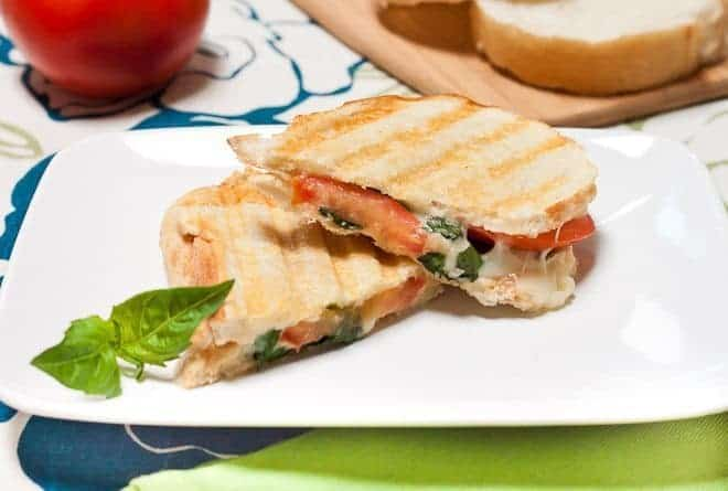 Tomato Basil Grilled Cheese Sandwich Recipe