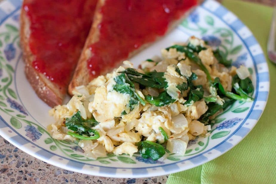 These Single Serving Spinach Scrambled eggs are a fast, easy, & healthy breakfast full of protein to start your day on the right foot.