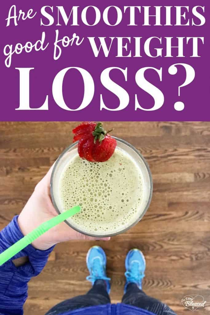 Are smoothies good for losing weight?  Holding a green smoothie in a glass